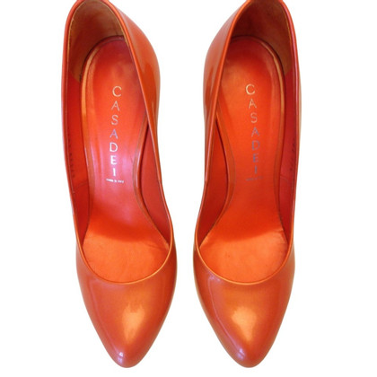 Casadei Lackleder-Pumps in Orange