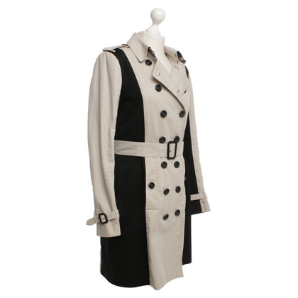 burberry wallet sale outlet 3ws1  Burberry Trenchcoat in beige black Burberry Trenchcoat in beige black