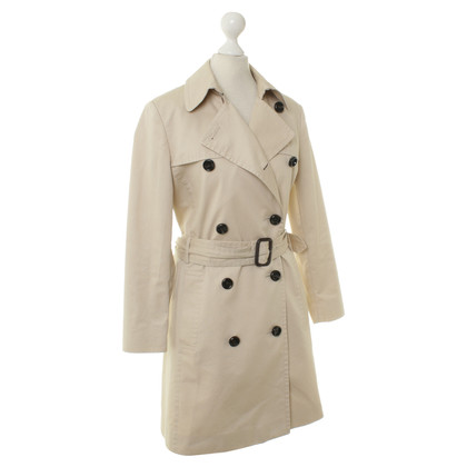 Hugo Boss Trench coat in beige