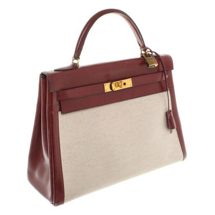 Hermès Kelly Bag in Bordeaux