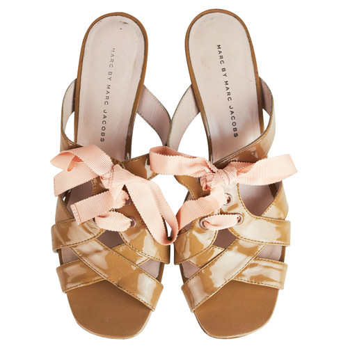 4986dd138509 Marc by Marc Jacobs Sandals Patent leather in Ochre - Second Hand ...