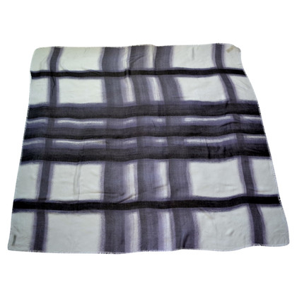 Burberry Cloth with pattern