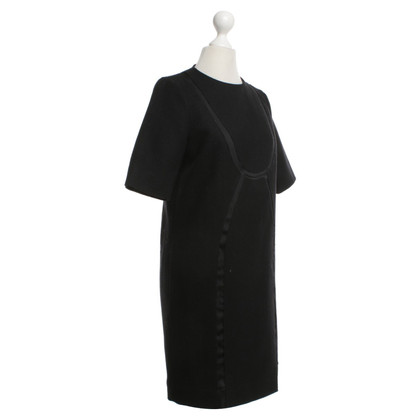 Cos Kleid in Schwarz