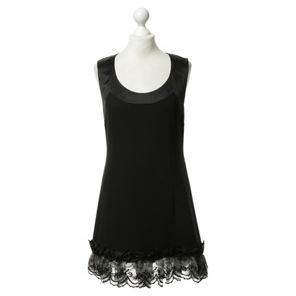 Alexis Mabille Black dress with lace hem
