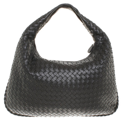 """Bottega Veneta """"Veneta Bag Medium"""" in zwart"""