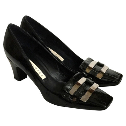 Pura Lopez Black patent leather pumps