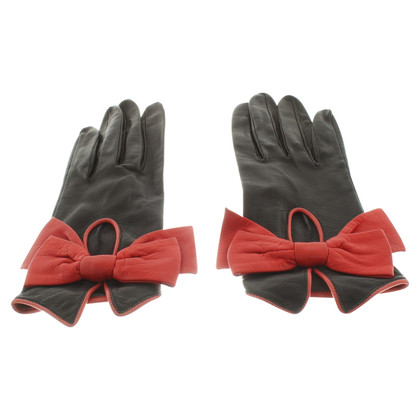 Hermès Leather gloves with red details