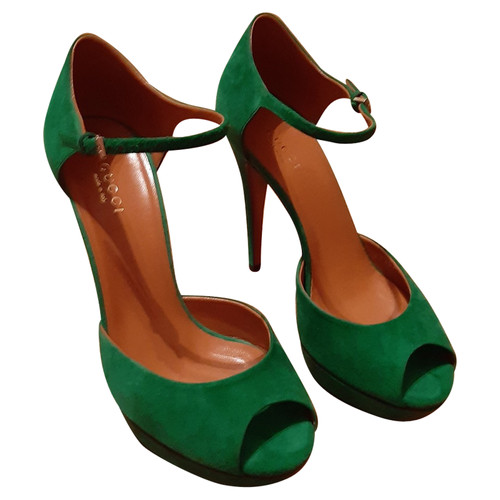 d46ec5c1779f Gucci Pumps Peeptoes Suede in Green - Second Hand Gucci Pumps ...