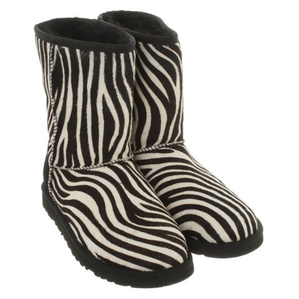UGG Australia Ankle boots in black / white