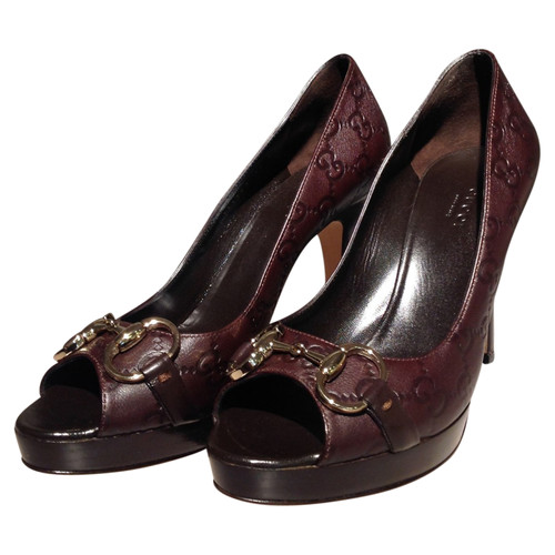 cdad09195f Gucci Pumps/Peeptoes Leather in Brown - Second Hand Gucci Pumps ...
