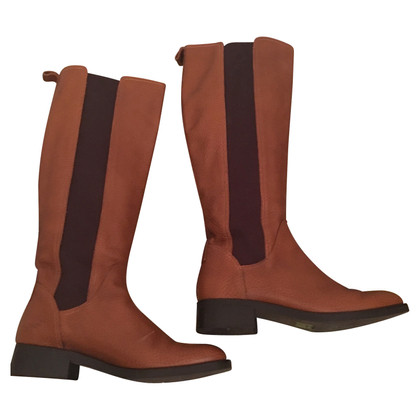 Hugo Boss Boots in brown