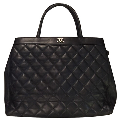 Chanel Maxi Chanel bag in black leather