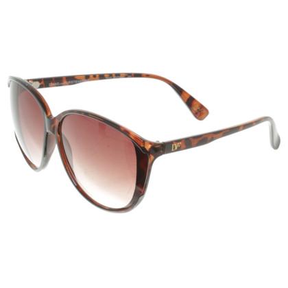 Diane von Furstenberg Sunglasses with tortoiseshell pattern