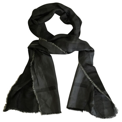 Burberry Scarf silk