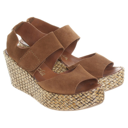 Pedro Garcia Wedges in Braun