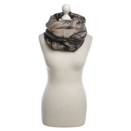 Etro Cashmere scarf with paisley pattern