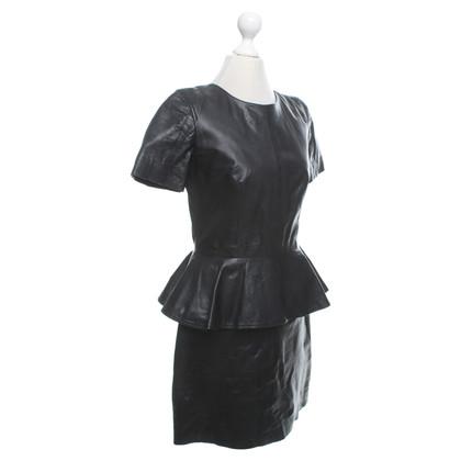 Alexander McQueen abito in pelle di colore nero