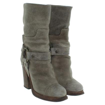 Dolce & Gabbana Wildleder-Stiefel in Grau