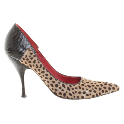 Cesare Paciotti pumps in fur look