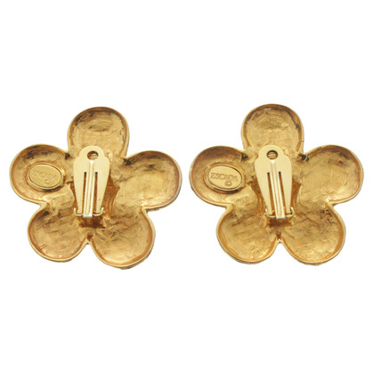 Escada Clip earrings with flowers design