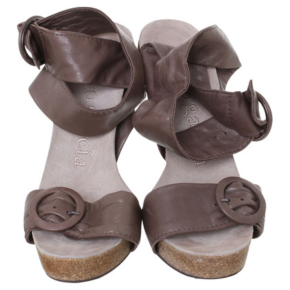 Pura Lopez Sandals in Brown