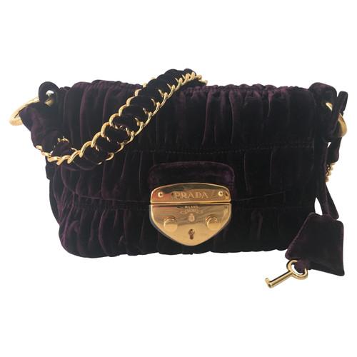 7a7aa8d53de9 Prada Velvet shoulder bag - Second Hand Prada Velvet shoulder bag ...