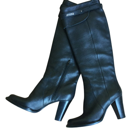 Max Mara Black boots with buckle