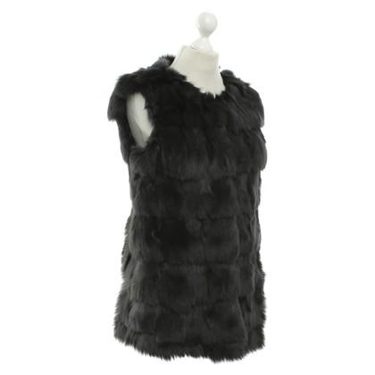 Other Designer Hugenberg - fur vest in black
