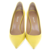 Bally pumps in yellow