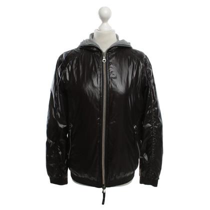 Duvetica Glänzende Jacke in Schwarz