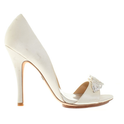 Badgley Mischka pumps in Beige