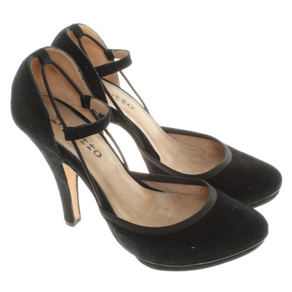 Repetto Suede Pumps in Black