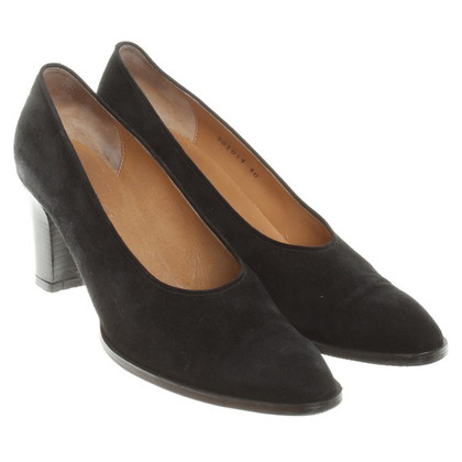 Hermès Suede leather pumps in black