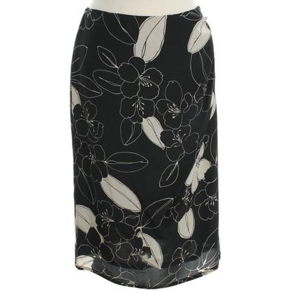Max Mara Silk skirt in black / cream