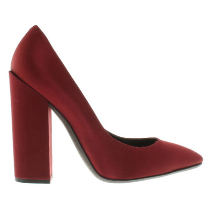 Giambattista Valli pumps in het rood