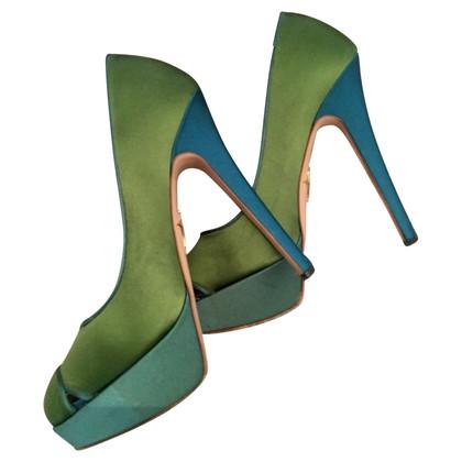 Charlotte Olympia Peeptoes in verde