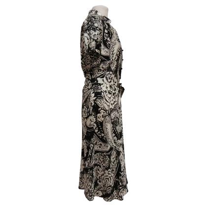 Christian Dior Abito in seta con colletto rialzato
