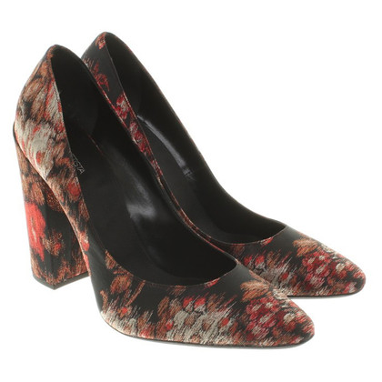 Giambattista Valli pumps with a floral pattern