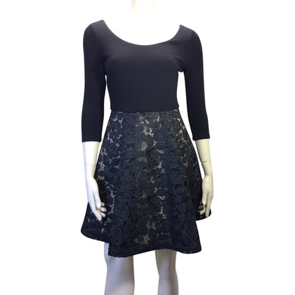 Alice + Olivia Cocktail jurk met rok