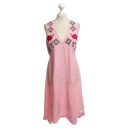 Odd Molly Dress in pink with embroidery