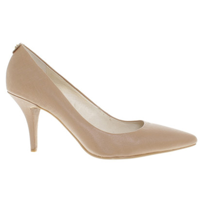 Michael Kors pumps Brown