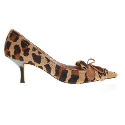 Pura Lopez pumps in animal design