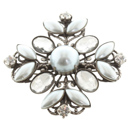 Max & Co Brooch with jewelry