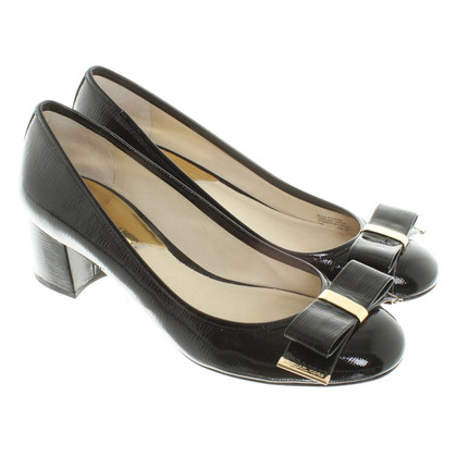 Michael Kors Patent leather pumps in black