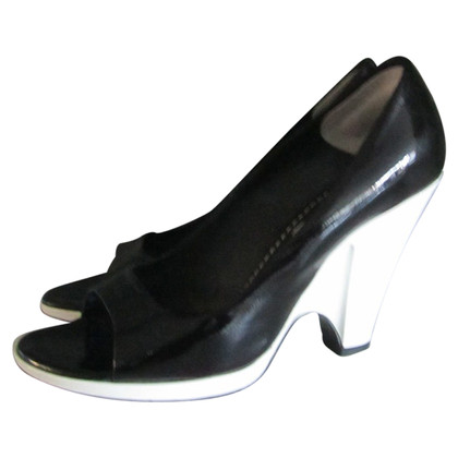 Marc Jacobs Patent leather peep-toes