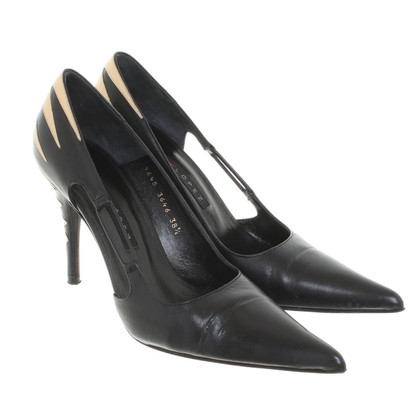 Pura Lopez Leather pumps in zwart