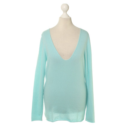 Allude Cashmere sweaters in turquoise