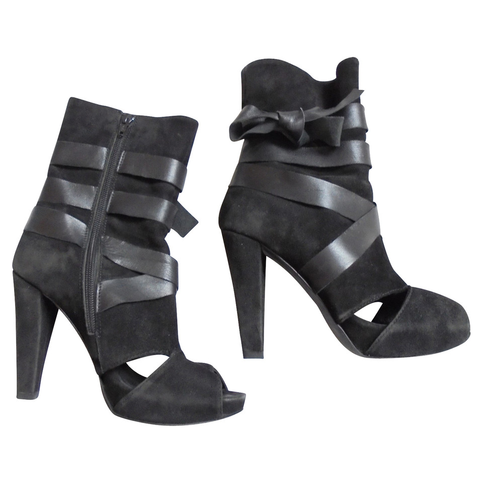 Stefanel Boots sandals in black