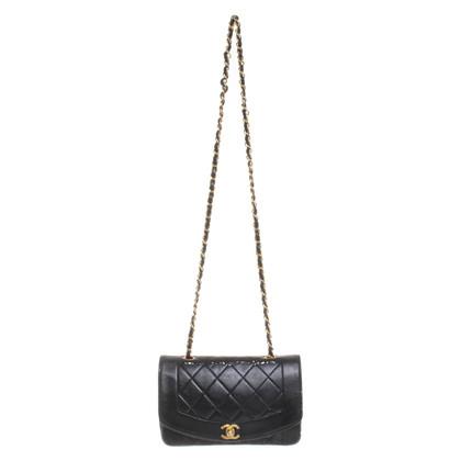 "Chanel ""Diana"" Flap Bag in zwart"