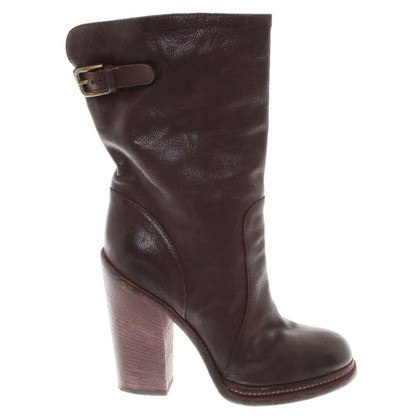 Dolce & Gabbana Boots in eggplant
